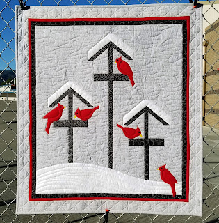 Bird-Feeder-Cardinal-QuiltFabrication-Quilt