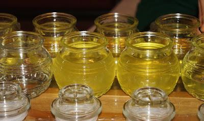 phân biệt dầu dừa nguyên chất