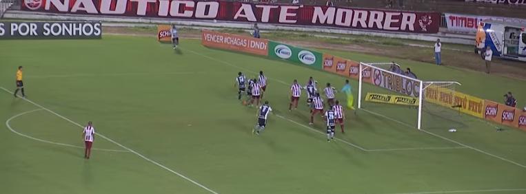 cc12283f94  FutebolDaTerrinha - Com falha do goleiro Bruno
