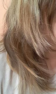 capelli al naturale elettrizzati e sfibrati