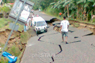"""Cebu_earthquake_Damage_portion_of_road"""