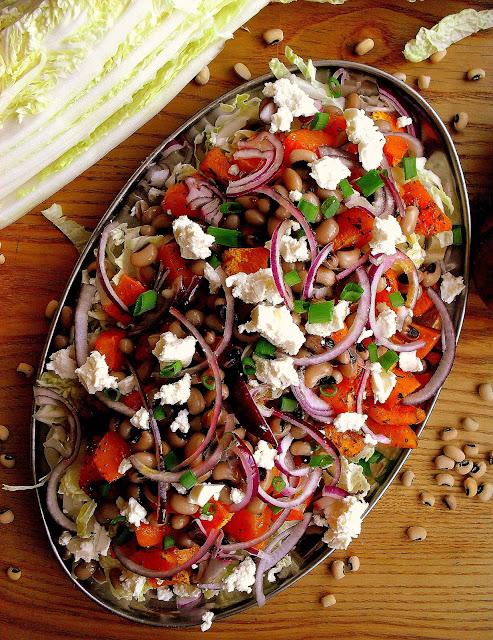 Sałatka z dynią piżmową, fasolą i fetą / Butternut Squash Bean and Feta Salad