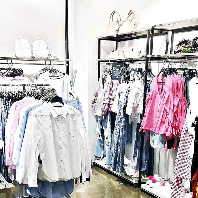 Jelena Zivanovic Instagram @lelazivanovic.Zara shopping.Kupovina u Zari.