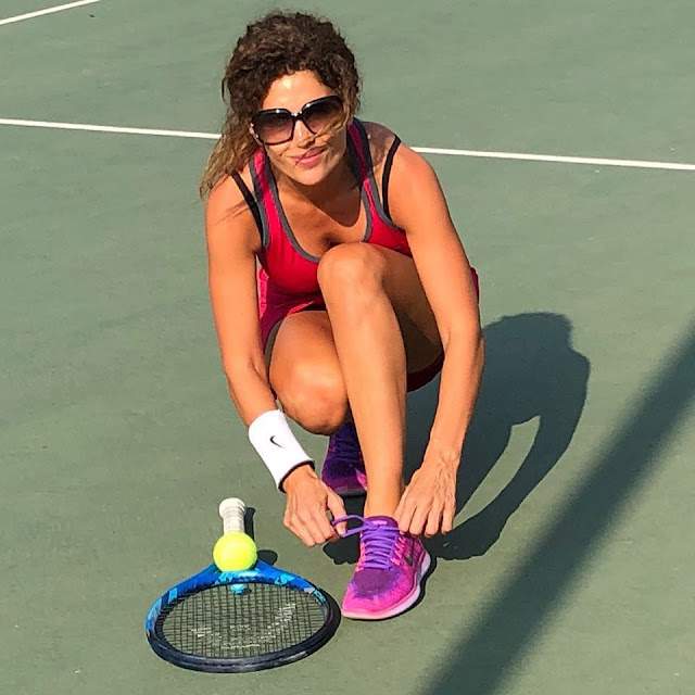 """صور.. رانيا عيسى بإطلالة مثيرة فى  """"ملعب التنس"""""""