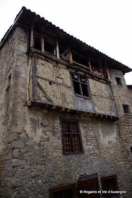 Olliergues, Puy-de-Dôme, Auvergne.maison du moyen-âge