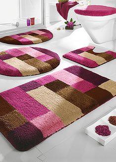 Tapetes bonitos no banheiro além de higiênico é charmoso.