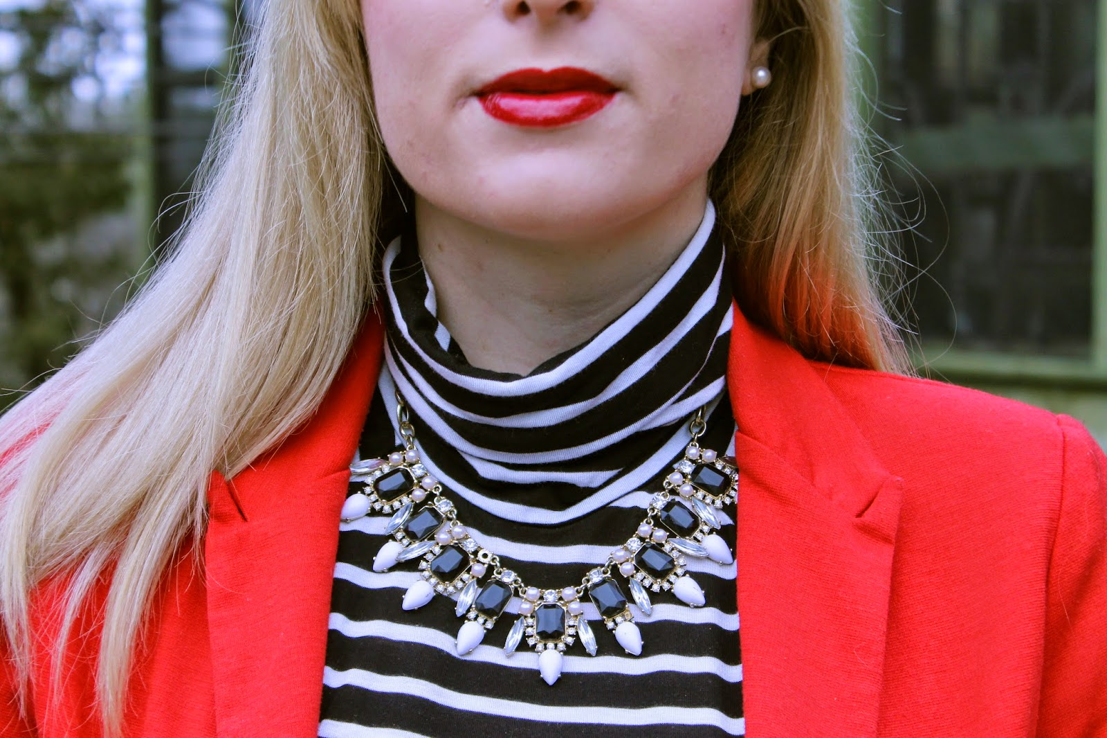 how to style a statement necklace
