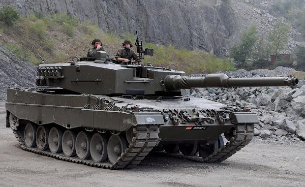Modelling In-boxed Meng' Leopard 2 A7 German