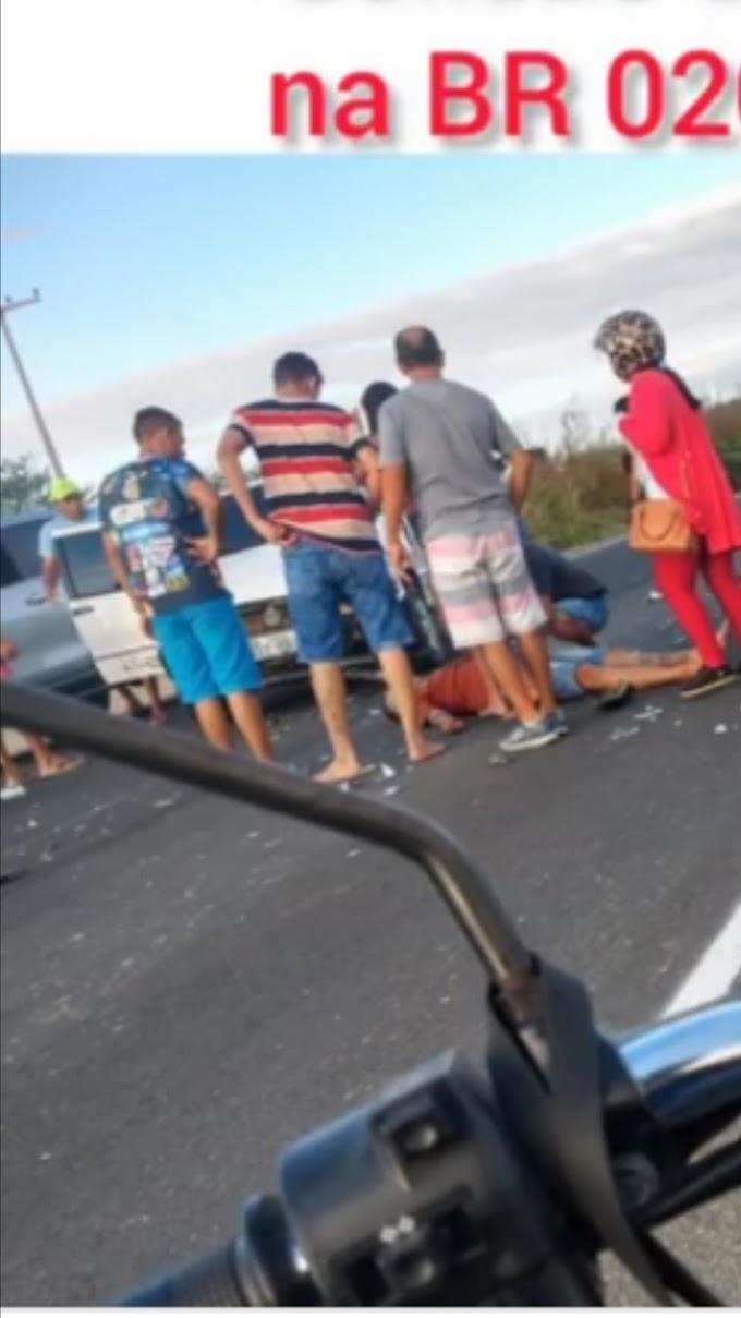 MOTOCICLISTA FICOU FERIDO APÓS TER SIDO COLHIDO POR CARRO NA BR 020 EM TAUÁ
