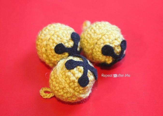 Crochet Jingle Bells Repeat Crafter Me