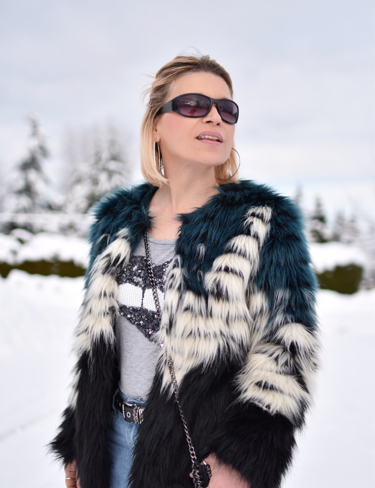 Monika Faulkner outfit inspiration - sequinned tee, colour-blocked faux-fur jacket, sunglasses