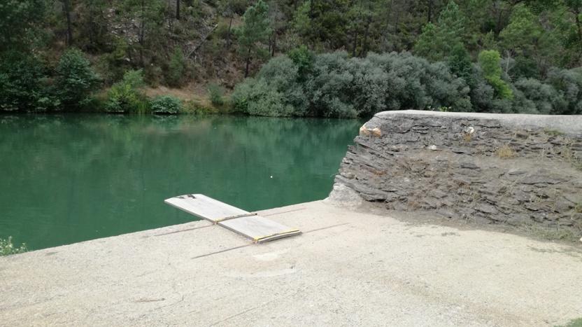 Ponto de saltos para a água