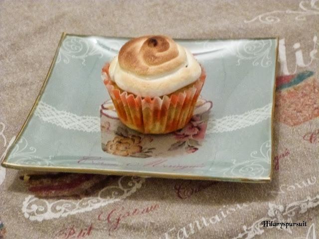 Cupcake rhubarbe-cannelle meringué