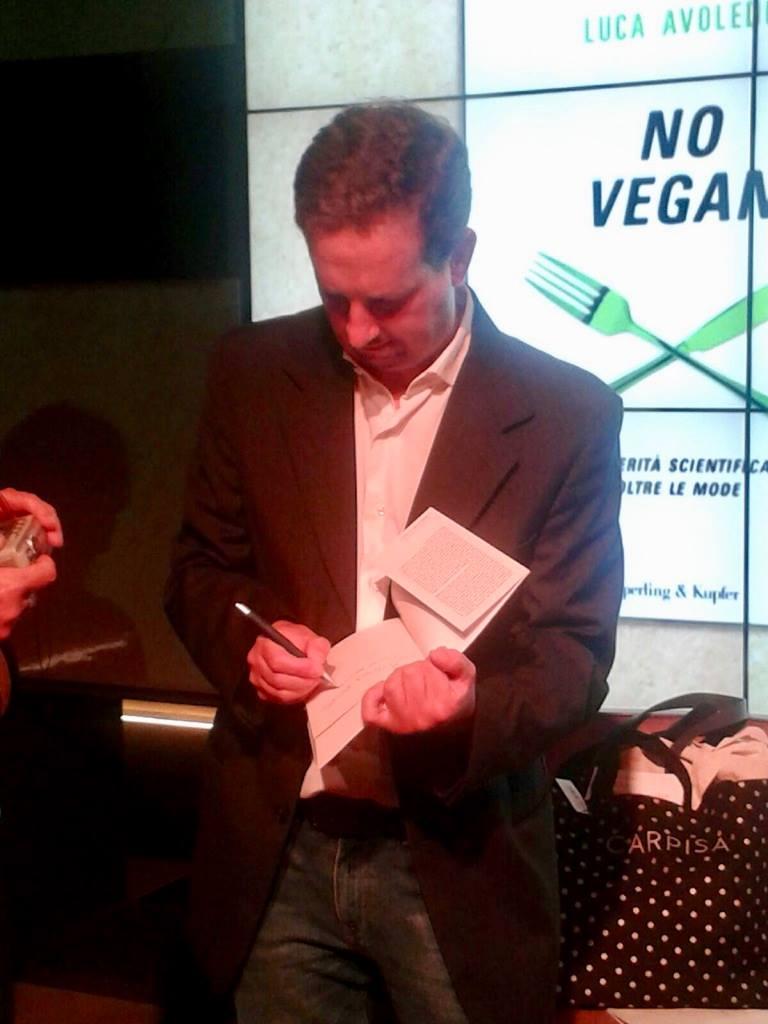 Luca Avoledo autore di No Vegan