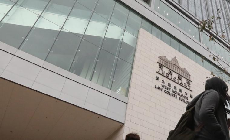 Alih-Alih Mau Bantu Menghilangkan bau Badannya,Mertua Majikan BMI Hong Kong Ini Malah Raba-Raba Hingga Pijat payudaranya