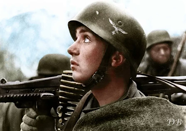 Fallschirmjäger worldwartwo.filminspector.com Italy