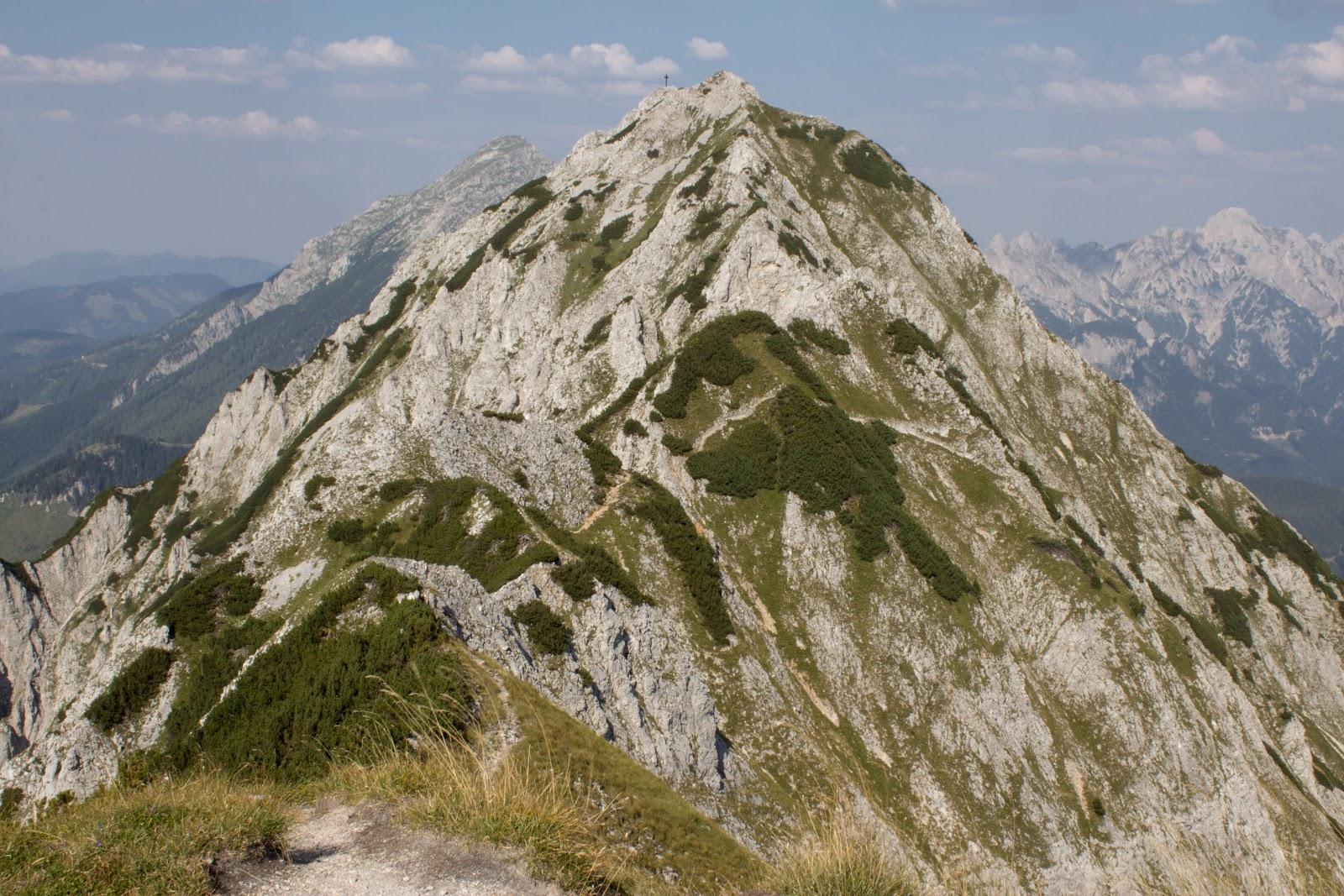 Von der Ardningeralmhütte über den Wildfrauensteig auf Frauenmauer, Bosruck und Kitzstein. - Blick auf den Kitzstein