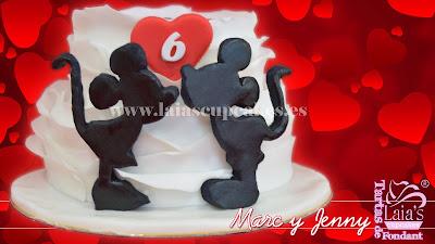 tarta fondant personalizada aniversario mickey minnie mouse celebración romántica laia's cupcakes puerto sagunto