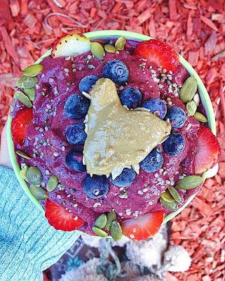 Veggie-Loaded Blueberry Pie Smoothie Bowl (Gluten Free, Vegan)