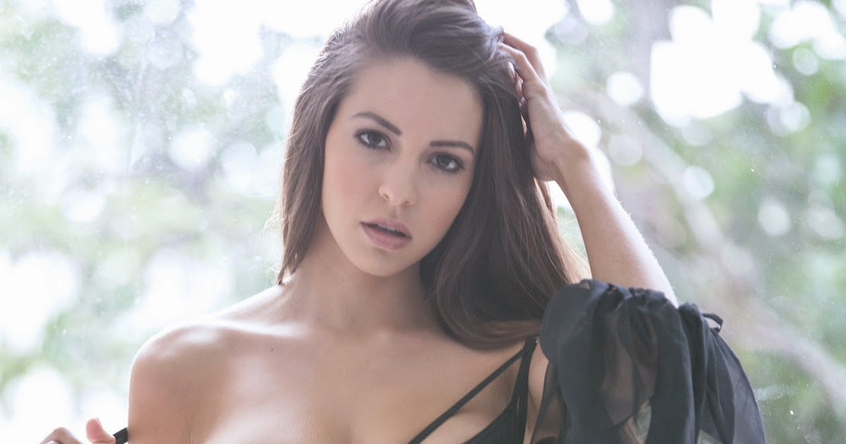 Shelby Chesnes Nude Photos 71