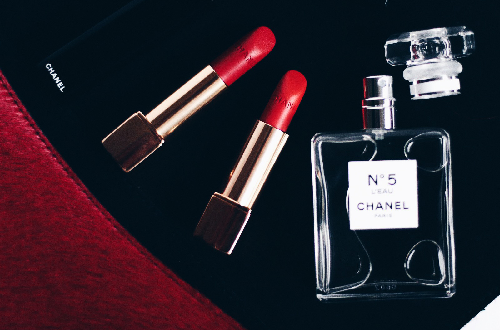 chanel rouge allure velvet 56 57 n58 59 rouge charnel rouge feu rouge vie rouge audace avs test swatches