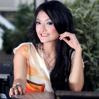 Koleksi Lagu Terbaru Siti Badriah Dowload Mp3 Gratis