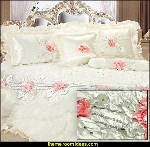 Delicate Luxurious 6 Piece Comforter Set