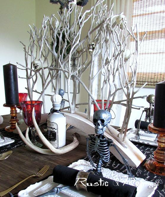Halloween centerpiece idea for a spooktacular fun table!