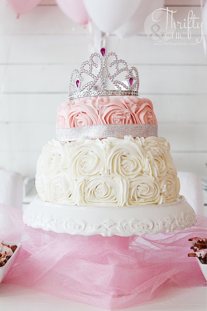 DIY princess birthday party decor and decorating ideas. Princess birthday cake idea