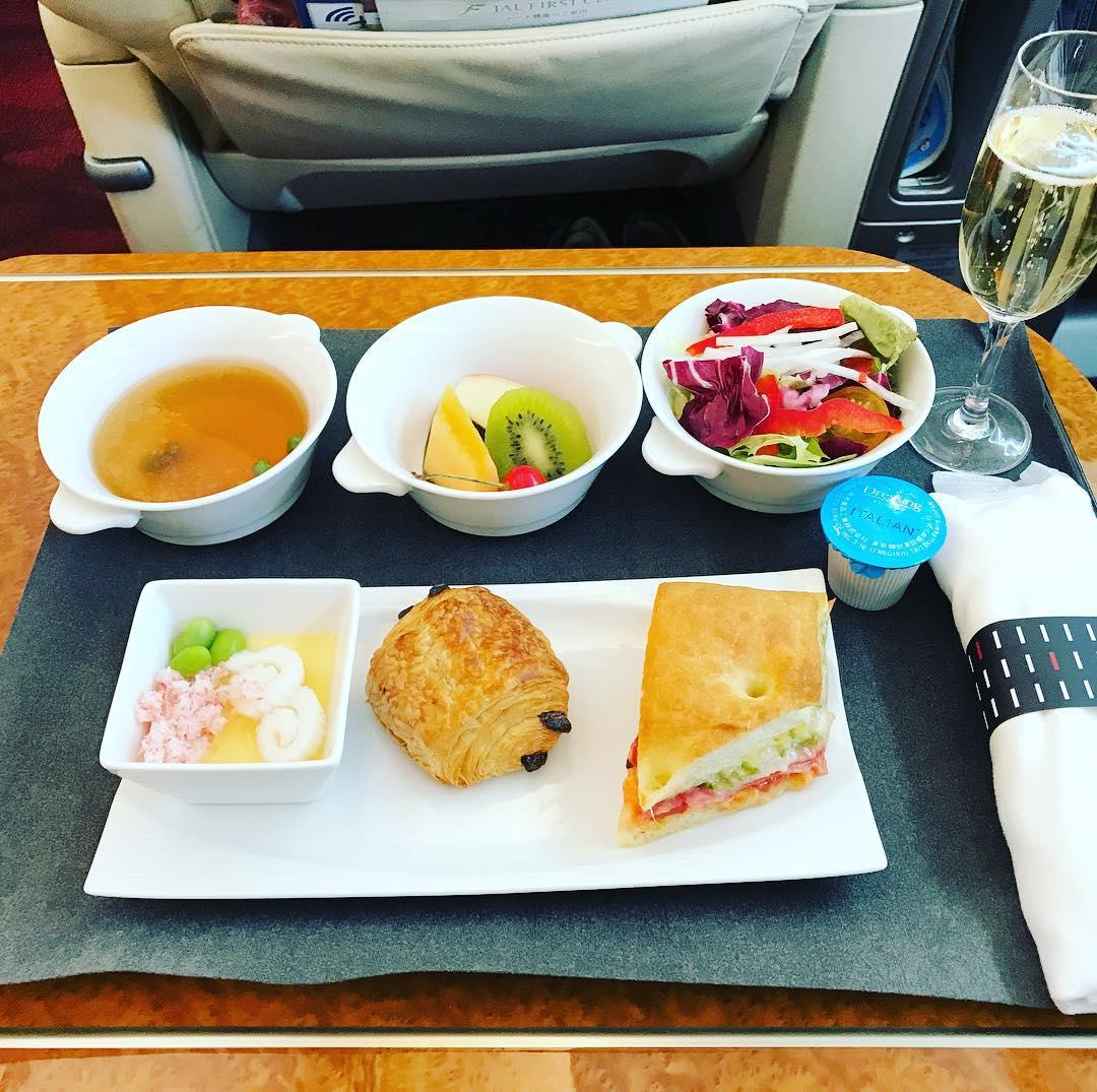 機内食:2017年7月 / 日本航空・JAL305(JL305) / 東京・羽田=福岡 / 国内線ファーストクラス