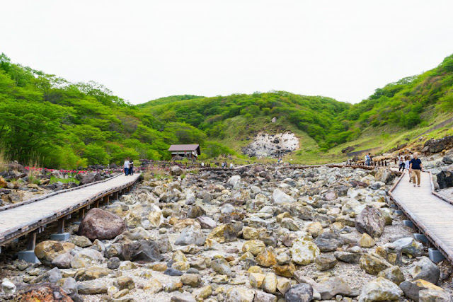 殺生石と千体地蔵~栃木県那須町