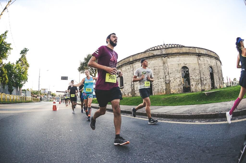 Meia de Curita, meia maratona em Curitiba