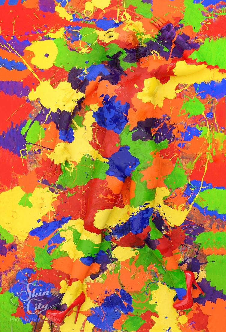04-Robin-Slonina-Camouflage-Body-Paint-Skin-Wars-www-designstack-co