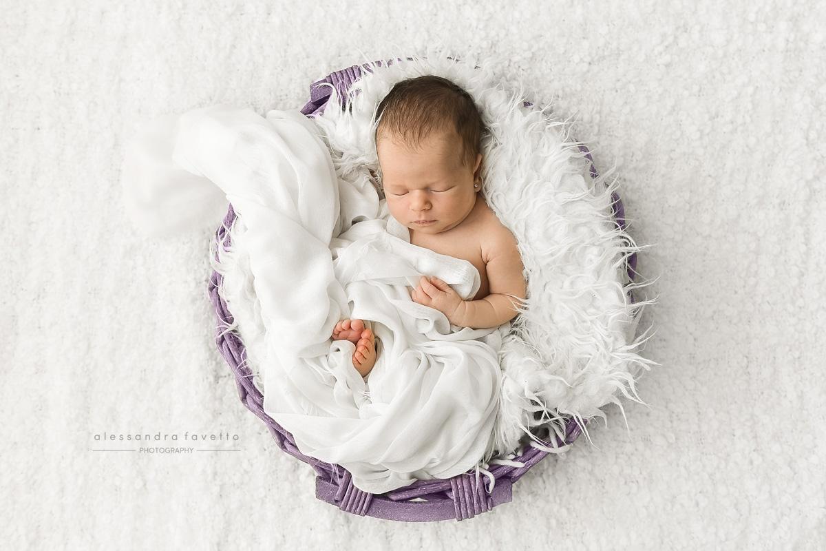 Sesión de fotos de recién nacido a domicilio en Sevilla y provincia