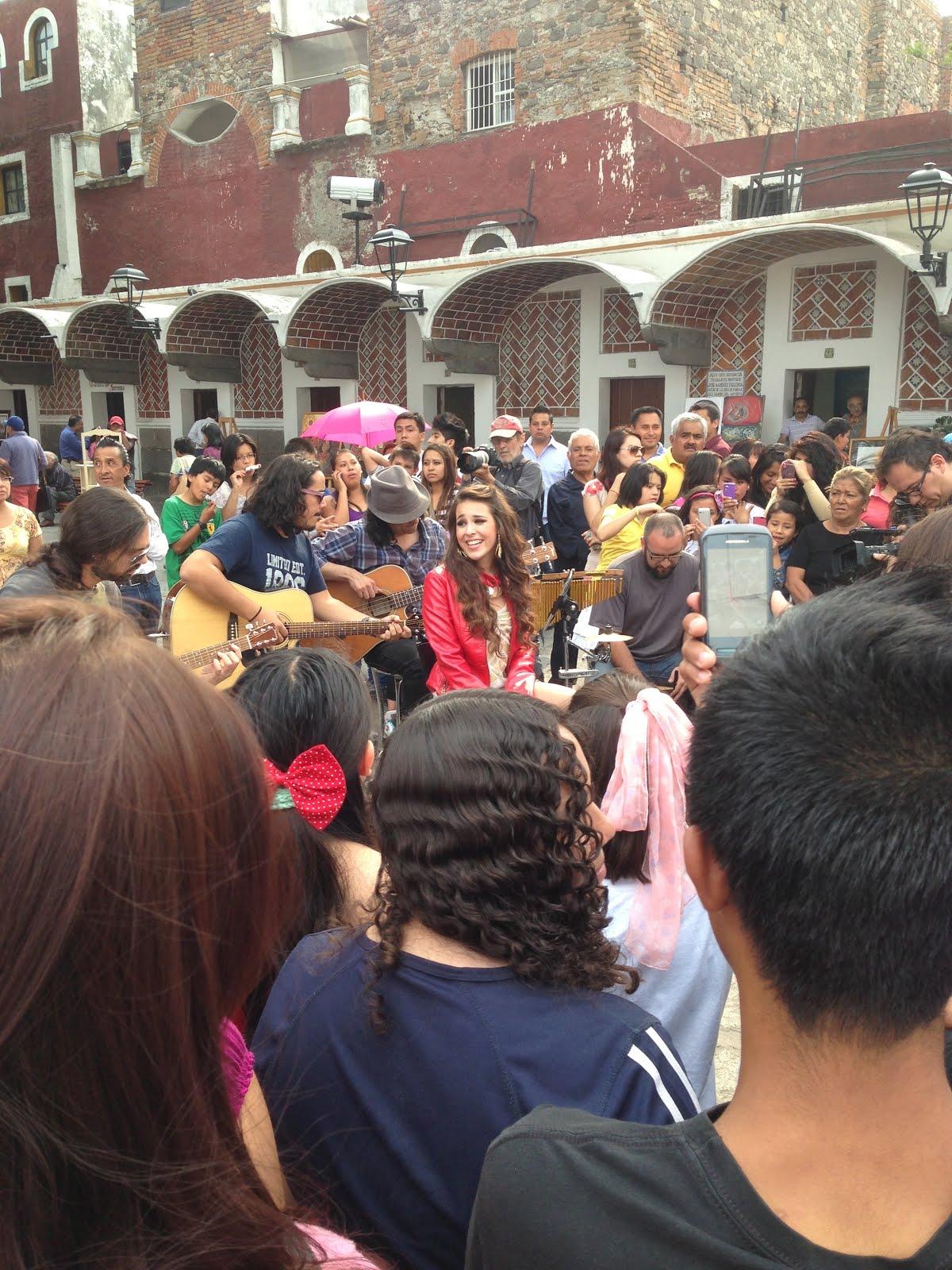 M xico suena concierto de danna paola fotos noticias for Chismes del espectaculo en mexico