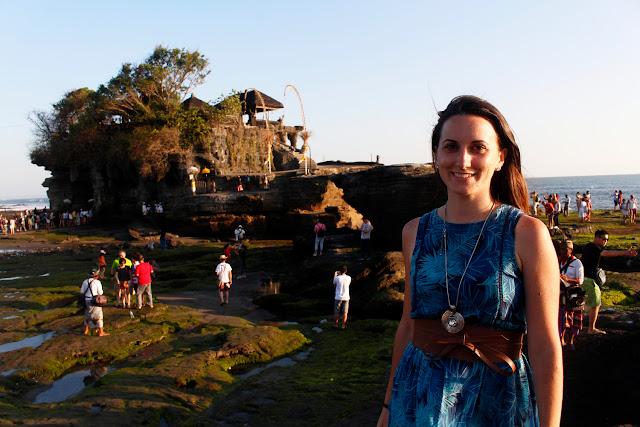Lena en Tanah lot (Bali)