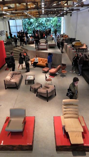 A Loja Teo expõe os móveis criados por Percival Lafer.