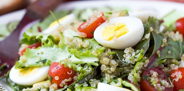 9sp - Protein Cobb Salad with Quinoa