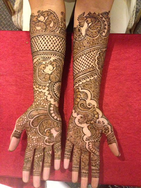 design of mehndi in hand