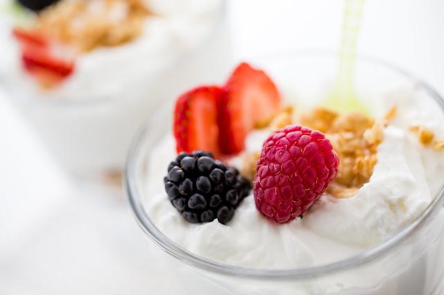 khasiat yoghurt, manfaat yoghurt, yoghurt, kegunaan yoghurt, manfaat, manfaat yoghurt untuk ibu hamil, manfaat yoghurt untuk diet, manfaat yoghurt untuk kesehatan, manfaat yoghurt untuk pencernaan, manfaat yoghurt untuk kulit,