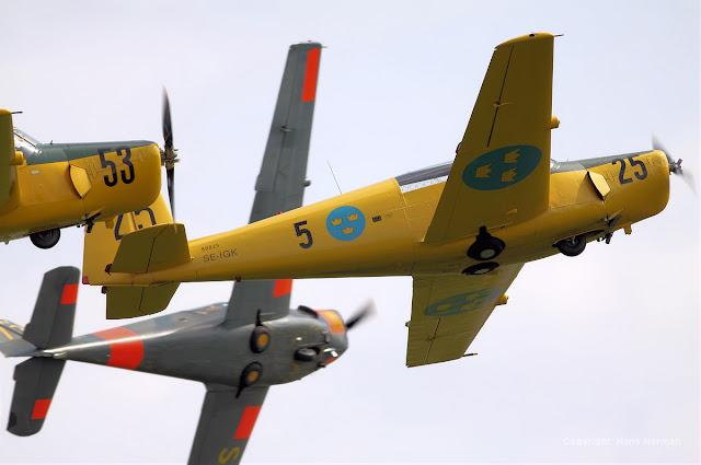 Saab 91 Safir Lined Up Aerobatics