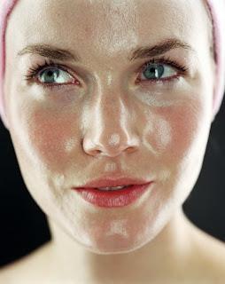 cara membersihkan wajah berminyak