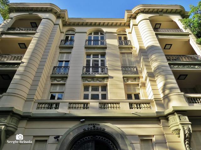 Perspectiva inferior da fachada do Edifício D. Pedro II - Higienópolis - São Paulo