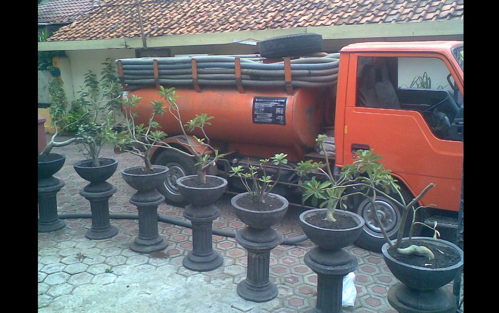 Sedot WC di Batam