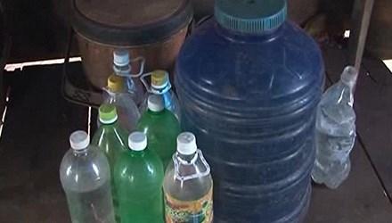 Gia Lai: Giếng cạn khô, người dân quay quắt mua nước sinh hoạt
