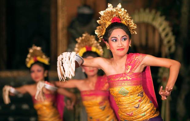 Pendet Bali Dance