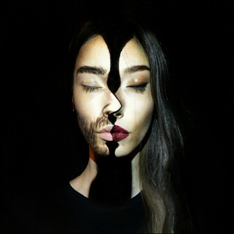 13-Two-sides-to-the-same-coin-Tea-Popović-aka-tekaart-Makeup-Artist-that-can-make-you-into-a-Shapeshifter-www-designstack-co
