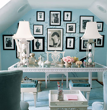 This Beautiful Office In Tiffany Blue And White Was Found On Lifestyletreats Blo Check Out The Back Wall Photos Are Like Leaves A