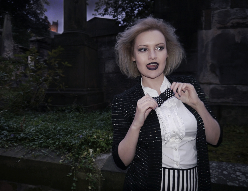 wearable halloween outfit, Beetlejuice girl costume, monochrome ghost costume, easy halloween costume, unlikely horror style icon, blogger halloween, beetlejuice makeup, St John's cemetery Edinburgh, creepy Edinburgh ghost