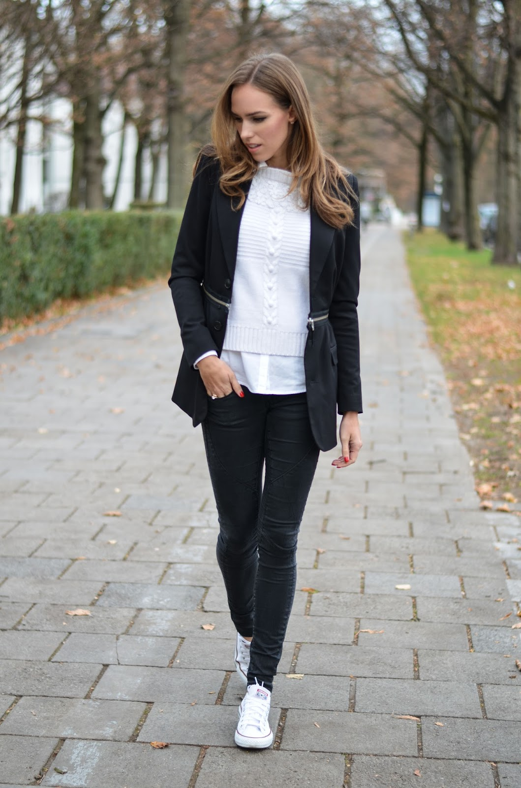 kristjaana mere black white casual fall outfit blazer sneakers fashion